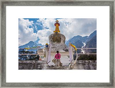 White Stupa At Yumthang Valley In Lachung North Sikkim India Framed Print by Nattee Chalermtiragool