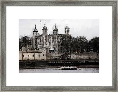 White Tower At Tower Of London Framed Print by Daniel Hagerman