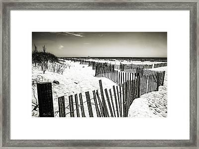Winding Fence - Bridgehampton Beach - Ny Framed Print