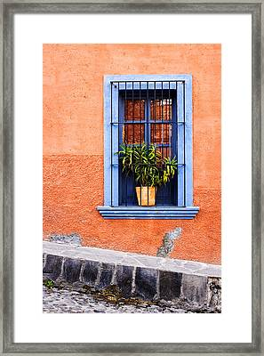 Window In San Miguel De Allende Mexico Framed Print by Carol Leigh