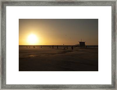 Windy Sunset At Santa Monica Beach Framed Print by Oscar Karlsson