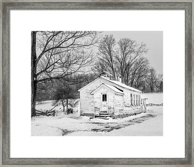 Winter At The Amish Schoolhouse - Bw Framed Print