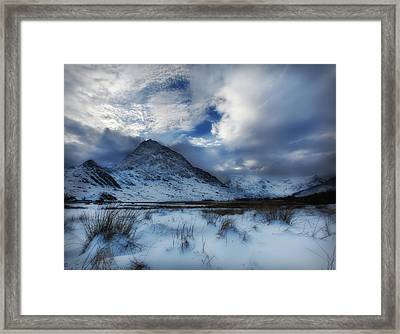 Winter At Tryfan Framed Print by Beverly Cash