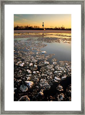 Framed Print featuring the photograph Wintersunset by Marc Huebner