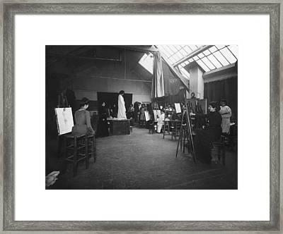 Women's Art Class, 1895 Framed Print