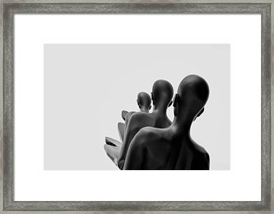 Wont Look Back  Framed Print by A Rey