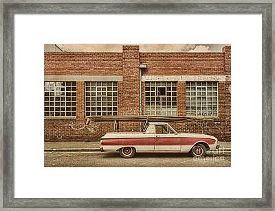 Working Class Framed Print by Andrew Paranavitana