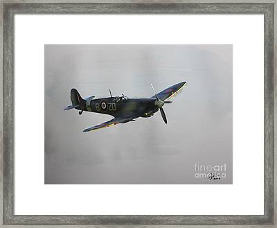 World War 2 Spitfire Framed Print