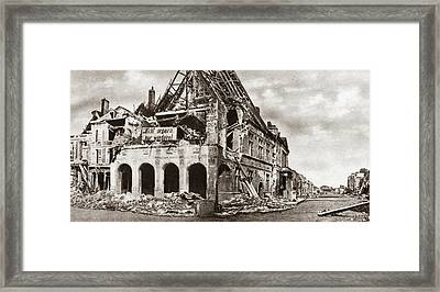 World War I City Hall Framed Print by Granger
