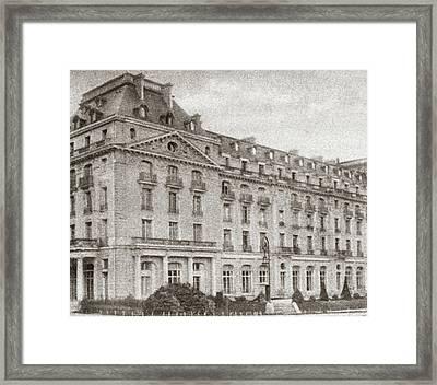 World War I Hotel Trianon Framed Print by Granger