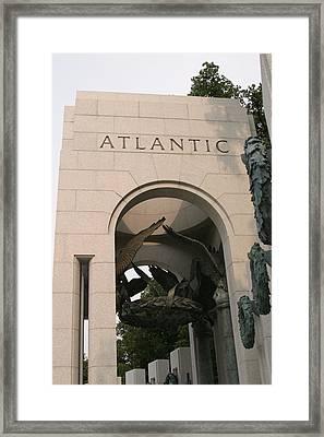 World War II Memorial - Washington Dc - 01136 Framed Print by DC Photographer