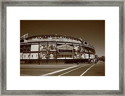 Wrigley Field - Chicago Cubs 26 Framed Print by Frank Romeo
