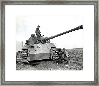 Wwii Us Soldiers Inspect Tiger Tank Framed Print