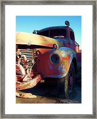 You Talkin To Me Framed Print by Glenn McCarthy Art and Photography