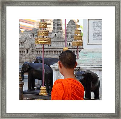 Young Monk With Chang Statue - Grand Palace In Bangkok Thailand - 01131 Framed Print