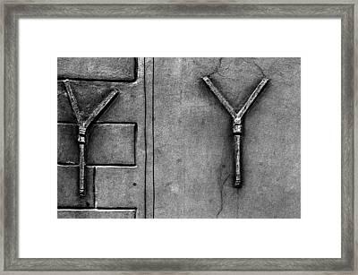 YY Framed Print by Arkady Kunysz
