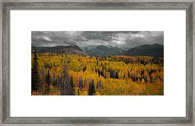 Zirkel Mountain Range Framed Print