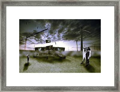Who's Watching Who. Framed Print by Nathan Wright