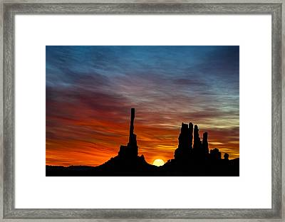 A New Day At The Totem Poles Framed Print by Susan Candelario