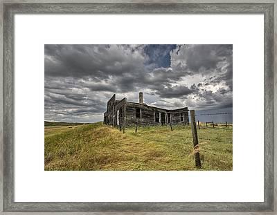 Abandoned Farmhouse Saskatchewan Canada Framed Print by Mark Duffy