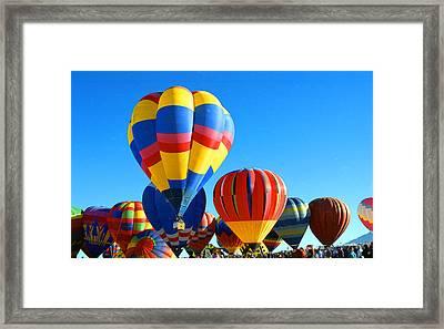 Albuquerque Balloons Framed Print by Les Walker
