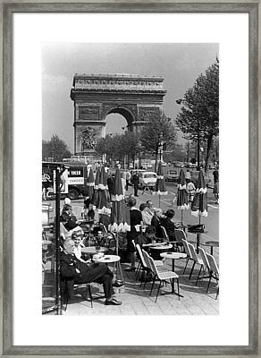 Bw France Paris Triumphal Arch 1970s Framed Print by Issame Saidi