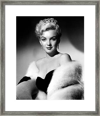 Dont Bother To Knock, Marilyn Monroe Framed Print by Everett