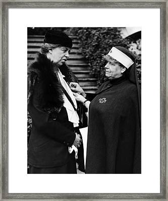First Lady Eleanor Roosevelt Framed Print by Everett