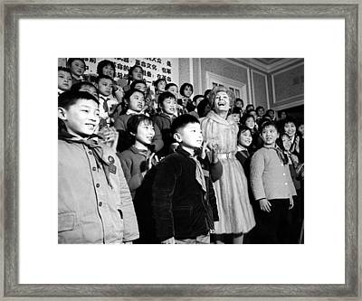 First Lady Pat Nixon With Children Framed Print by Everett