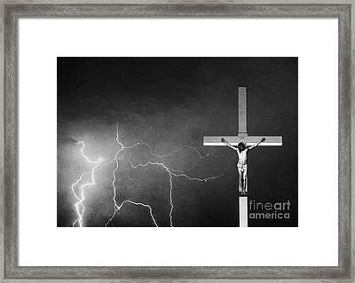Good Friday - Crucifixion Of Jesus Bw Framed Print