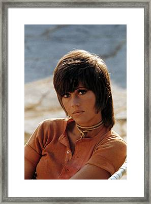 Jane Fonda With Shag In Early 70s Klute Framed Print by Everett