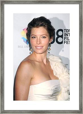 Jessica Biel Wearing A Giambattista Framed Print by Everett
