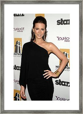 Kate Beckinsale Wearing A Michael Kors Framed Print