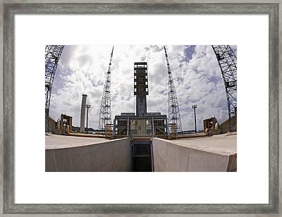 Launch Pad Assembly, Guiana Space Centre Framed Print by Ria Novosti