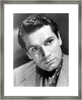 Laurence Olivier, 1940 Framed Print by Everett