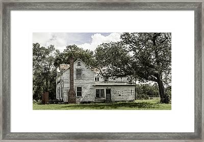 Old Florida Farmhouse Framed Print by Lynn Palmer