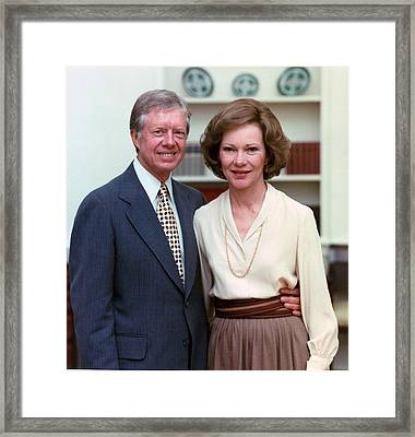 President Jimmy Carter And Rosalynn Framed Print by Everett