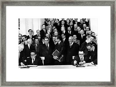Secretary Of State Henry Kissinger Framed Print by Everett