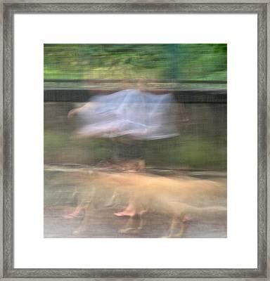 Singing In The Rain Framed Print by Richard Cummings