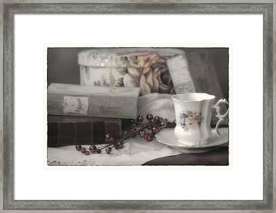 Tea And Gulliver Framed Print by Linda Dunn