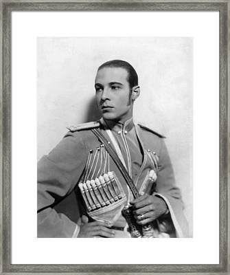 The Eagle, Rudolph Valentino, 1925 Framed Print by Everett