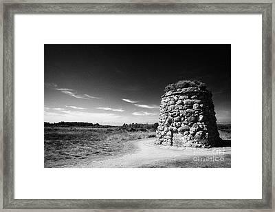 the memorial cairn on Culloden moor battlefield site highlands scotland Framed Print by Joe Fox