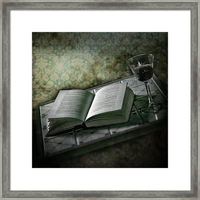 Time To Read Framed Print by Joana Kruse