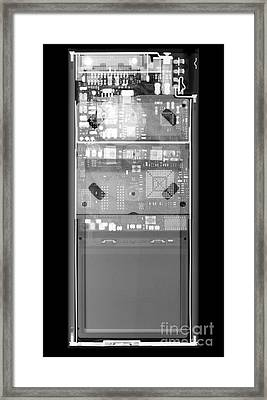 X-ray Of An Ipod Framed Print
