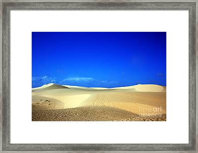 Desert Framed Print by MotHaiBaPhoto Prints