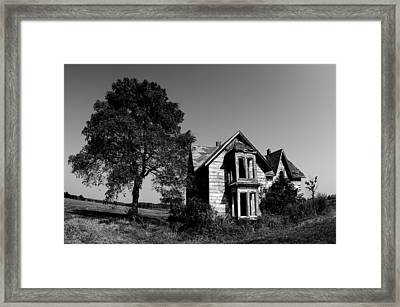 Abandoned House Framed Print by Cale Best