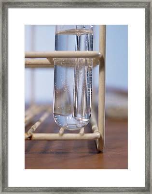 Alkene Decolourisation Of Bromine Water Framed Print by Andrew Lambert Photography