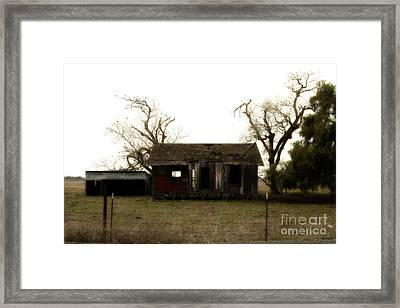 Dilapidated Old Farm House . 7d10341 Framed Print by Wingsdomain Art and Photography