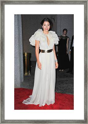 Jessica Biel Wearing A Giambattista Framed Print