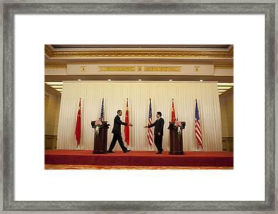 President Obama And Chinese President Framed Print by Everett